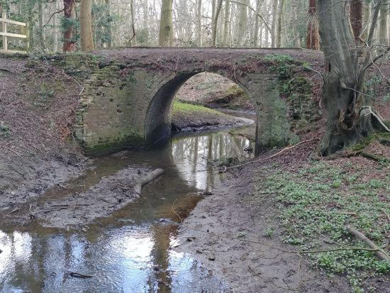 Photograph of the old brick-faced bridge in Gobions Wood Image by Hertfordshire Walker released under Creative Commons BY-NC-SA 4.0
