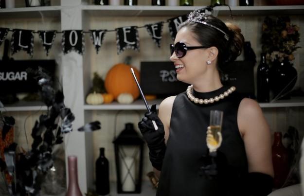 8e5916dff528 Halloween αμφίεση με το μικρό μαύρο φόρεμα