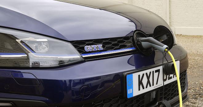Volkswagen Golf Gte 2017 Charging