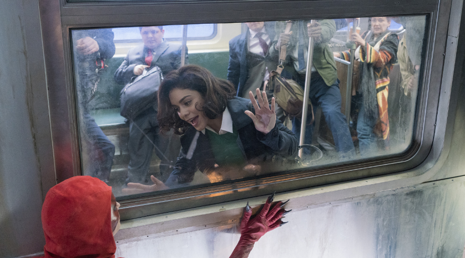Vanessa Hudgens en Powerless
