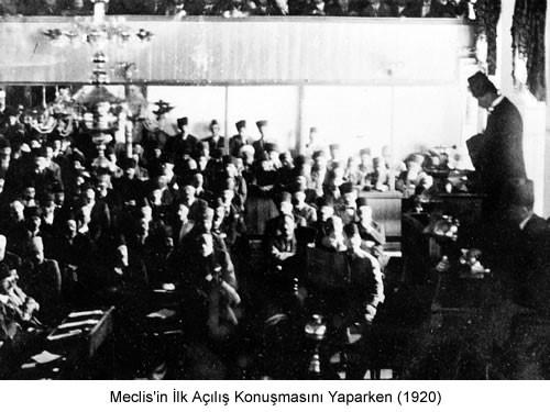 Atatürk Meclisin İlk Açılış Konuşmasını Yaparken 1920 Fotoğraf