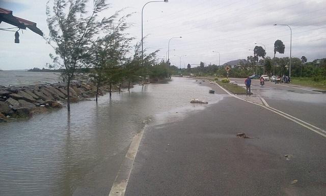 Air Pasang Besar: 75 Keluarga Di Selangor Dipindahkan