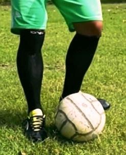 Aktifitas Bola Besar Melalui Permainan Sepak Bola PJOK SMP Kls 8