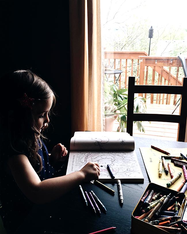 8 Ways to Encourage Imaginative Play In Children