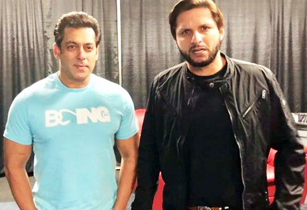 Shahid Afridi (Pakistani Cricketer) meets Salman Khan (Indian Film Actor) in Toronto