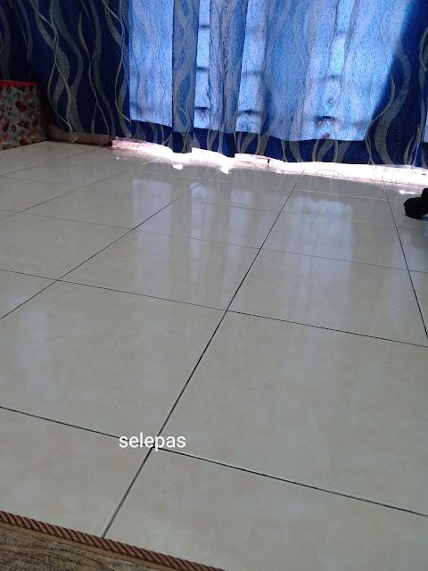 Lantai Wangi Dan Kilat Dengan Hanya  2 Barang