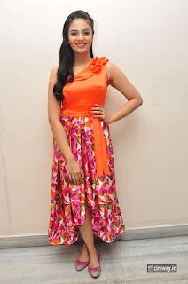 Actress-Sreemukhi-Stills-from-Thank-u-Mithrama-Short-Film-Screening