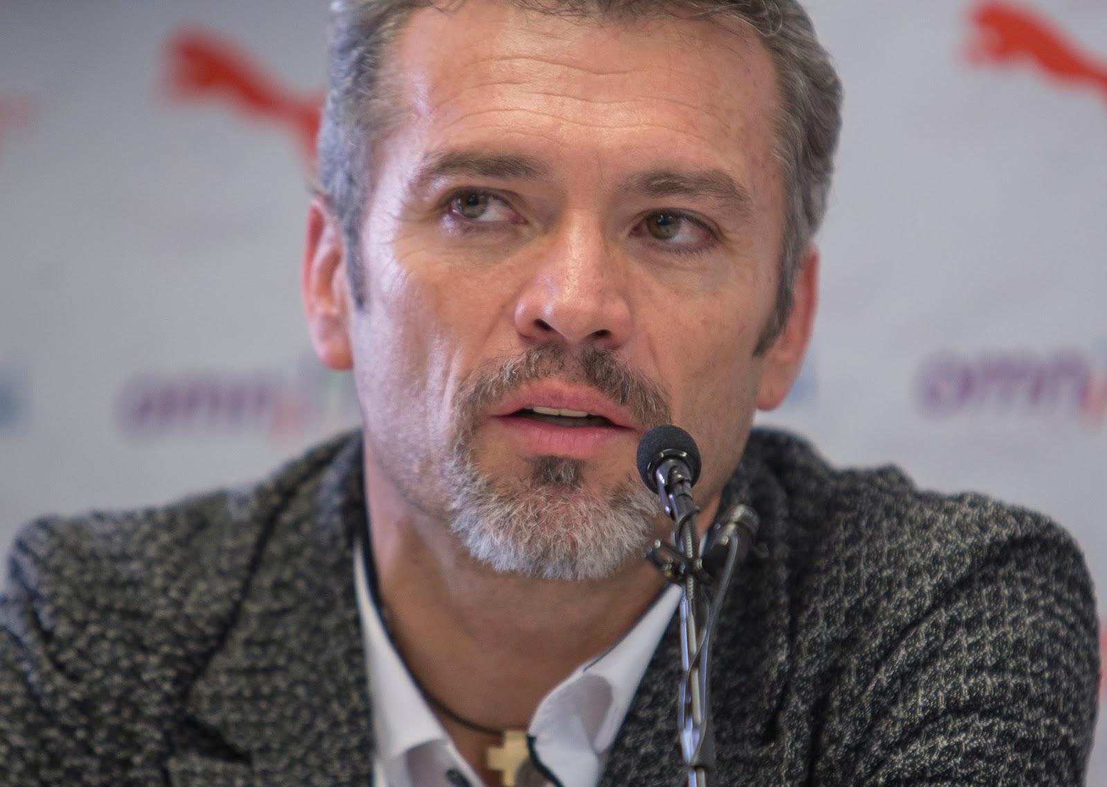 José Luis Higuera.