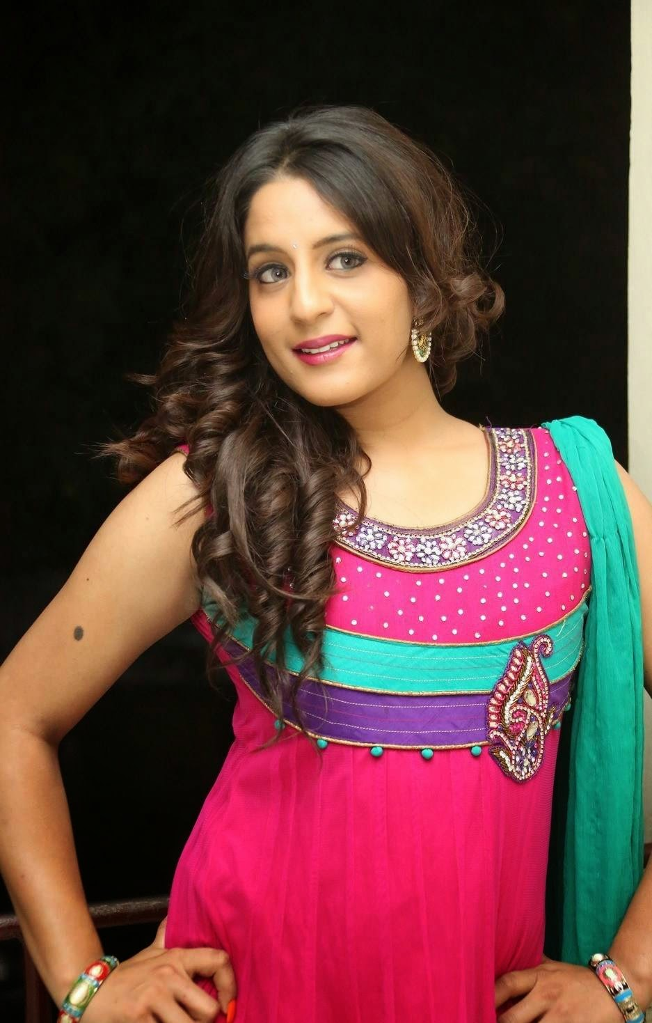 sonia sharma cute hd images by indian girls whatsapp numbers