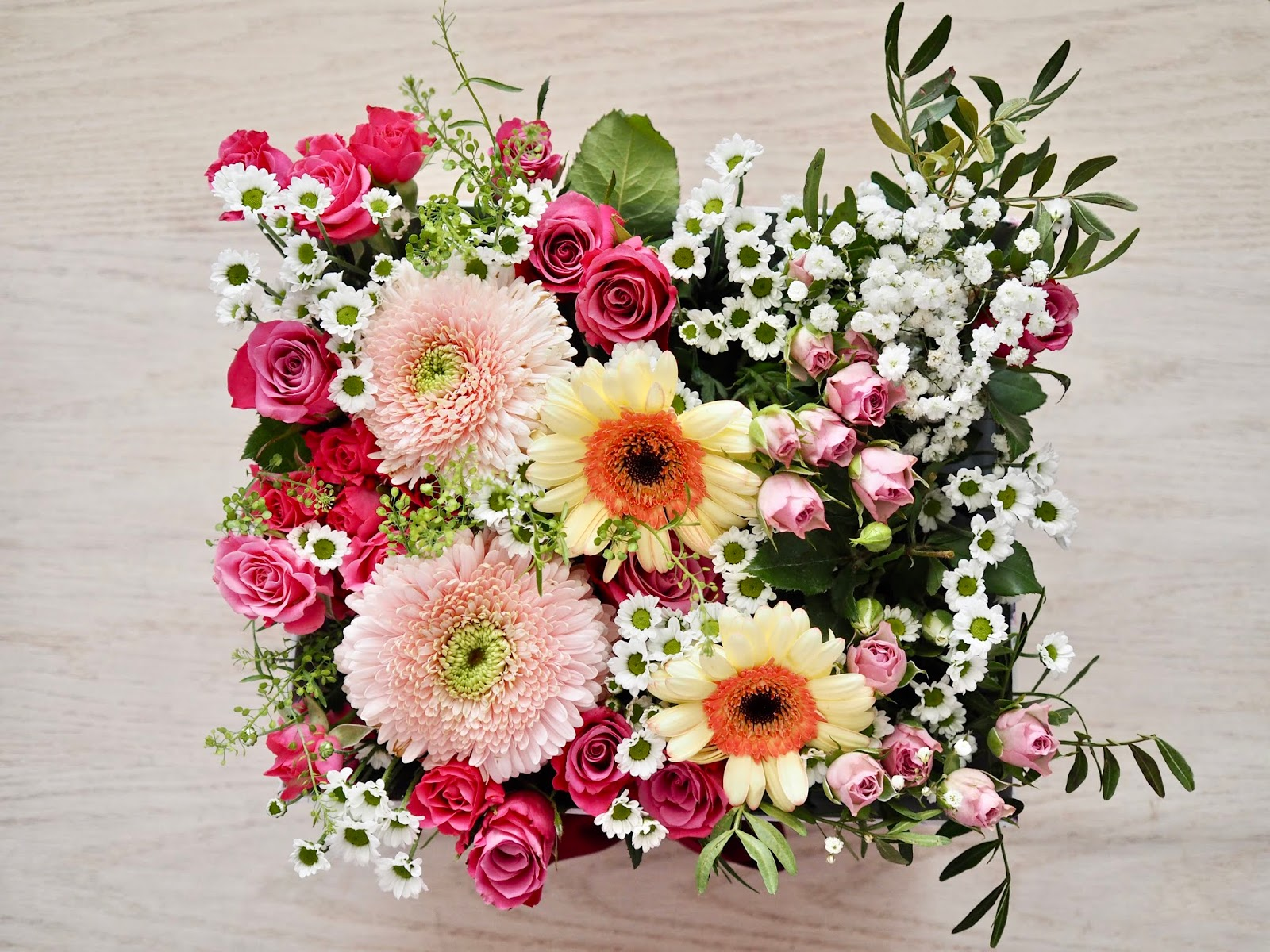 Diy flower bouquet box the dainty dress diaries these flower boxes make amazing presents and you can save your pennies and reuse an old hat box that you might already have for the cost of some oasis and izmirmasajfo