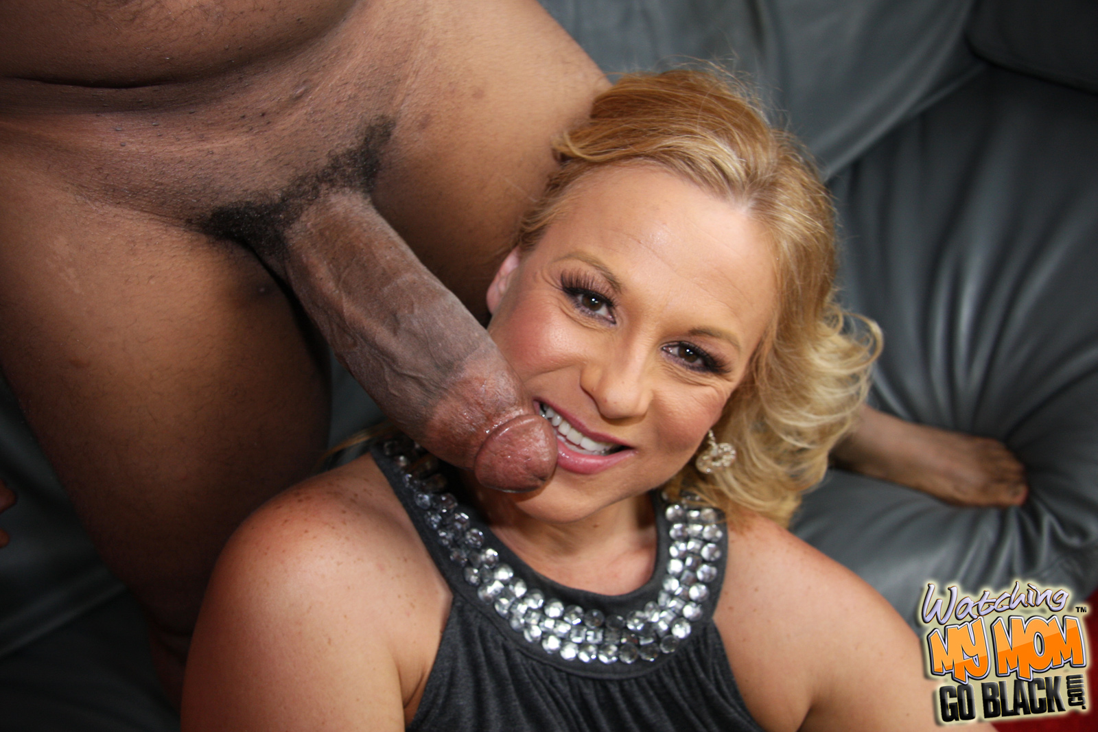 Mature Sucking Black Dick