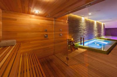 ห้องอบซาวน่าพร้อมสระว่ายน้ำ