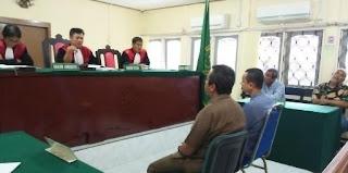 Kasus Di duga Oknum Wartawan Melakukan Pemerasan : Benito Dan Ilham Saat Memberikan Keterangan Di Pengadilan