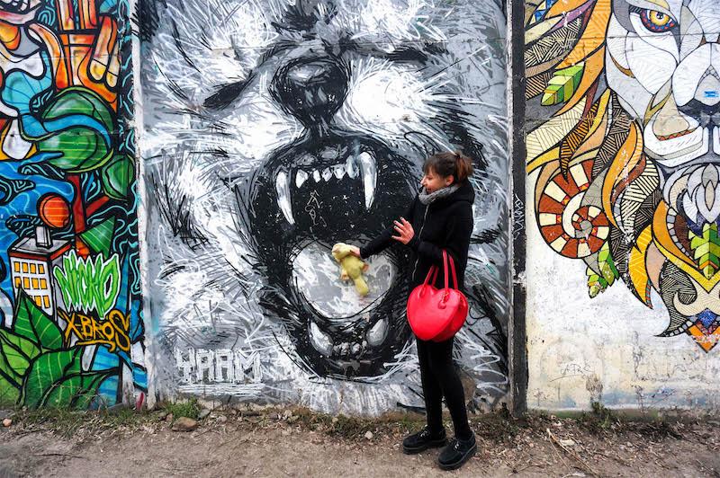 zwiedzanie Berlina, co zobaczyć w Berlinie, street art Berlin, sztuka uliczna w Berlinie, Yaam Berlin