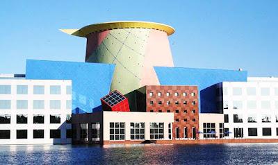 postmodern mimari örnekler