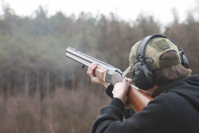 Idealny prezent na każdą okazję - Zabierz mężczyznę na strzelnicę.