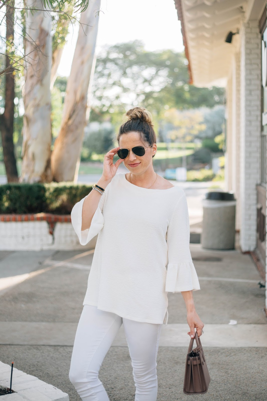 white monochromatic outfit street style