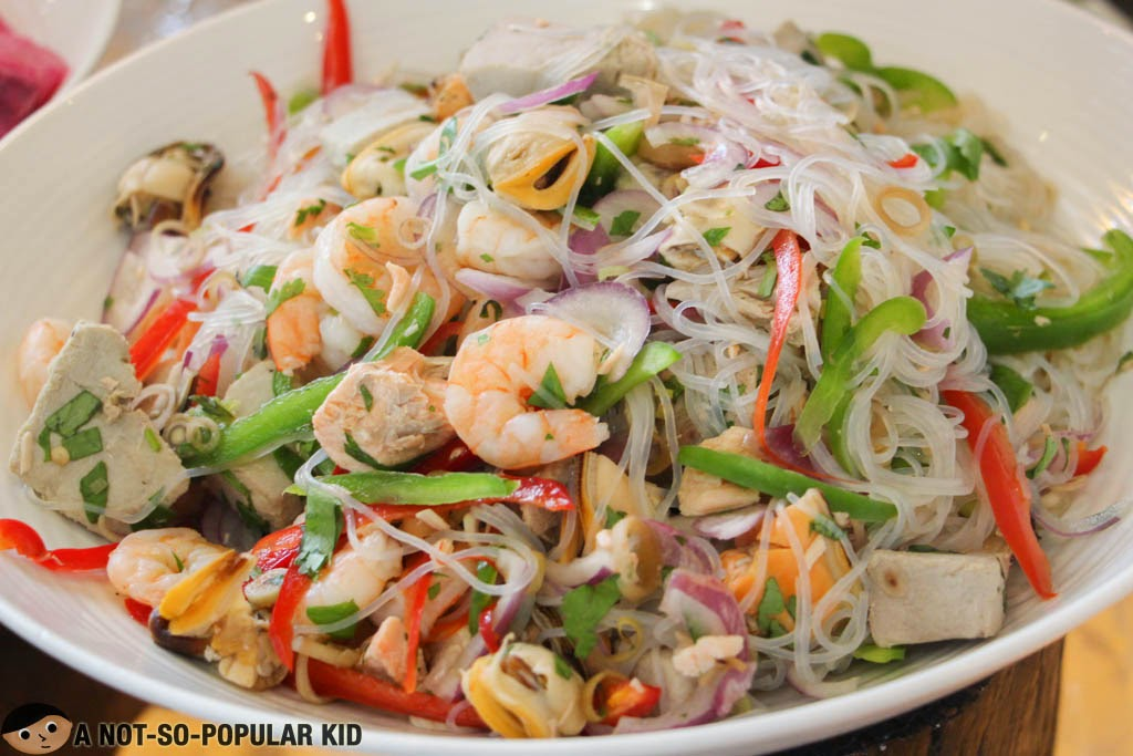 Seafood Vietnamese Salad of F All Day Dining Restaurant