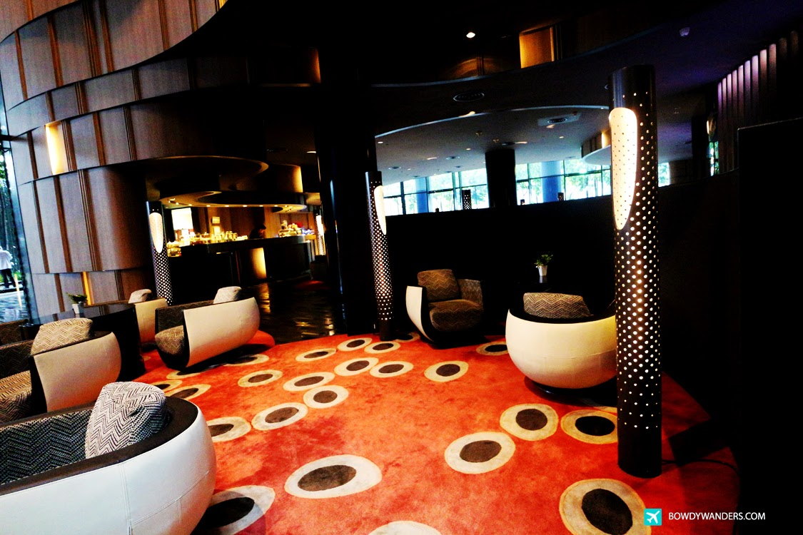 bowdywanders.com Singapore Travel Blog Philippines Photo :: Singapore :: Azur - Crowne Plaza Hotel, Airport Boulevard