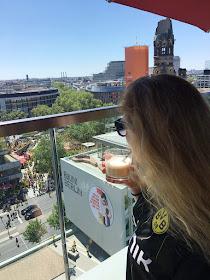 DFB Pokalfinale 2017 BVB Borussia Dortmund 09 SGE Eintracht Frankfurt, Breitscheidplatz Berlin, Pokalfinale Berlin, 25hours Hotel Berlin, Erfahrung Monkey Bar NENI Restaurant Berlin, Olympiastadion Berlin Finale 2017, Gedächniskirche