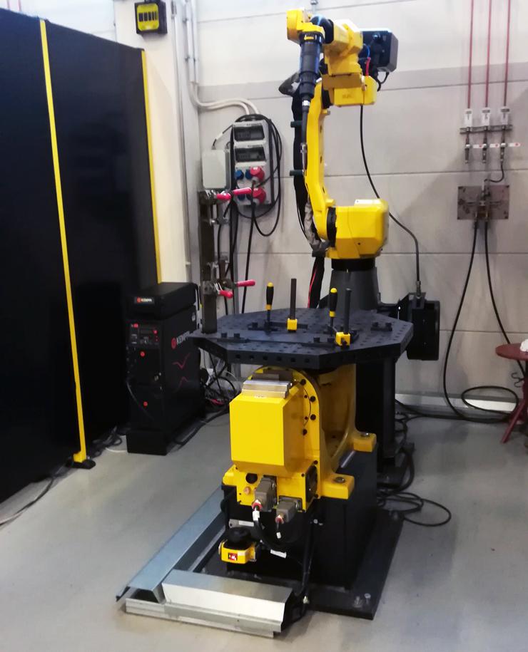 Робот Fanuc интегрированный с комплектом Kemppi A7 MIG Welder на экспериментальной площадке Kemppi