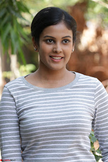 Actress Chandini in ed Tight Top at Ennodu Yilayadu tamil movie press meet ~  55.jpg