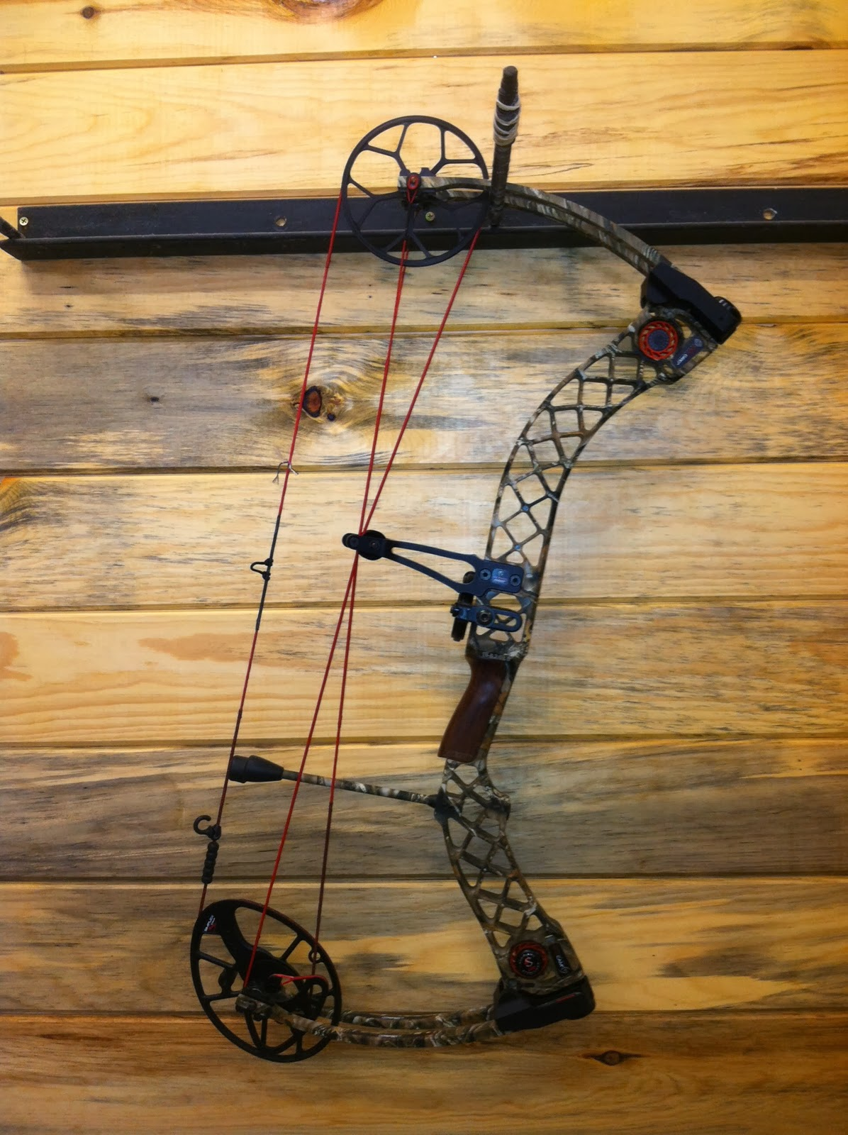 Img on 2013 Mathews Creed Bow Price