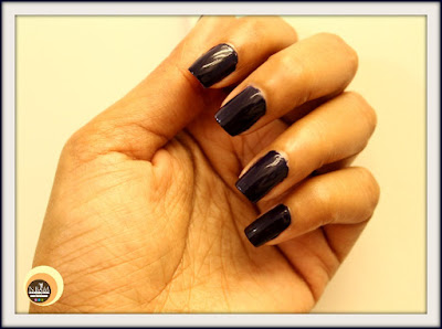 Swatches of Revlon Blue Nail Paint Revlon 490 Urban, NOTD of  Nail Enamel
