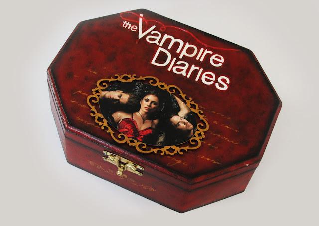 DIY: Como Fazer Porta Jóias MDF Vampire Diaries - Vermelho e Preto