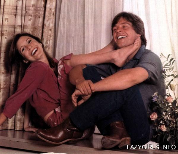 carrie fisher, mark hamill, feet