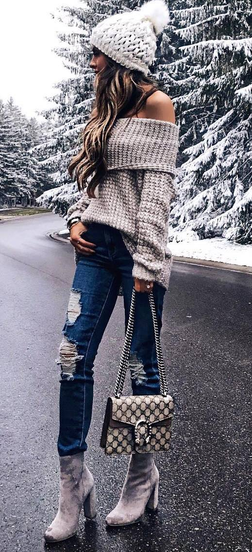 what to wear with rips : hat + off shoulder sweater + bag + boots