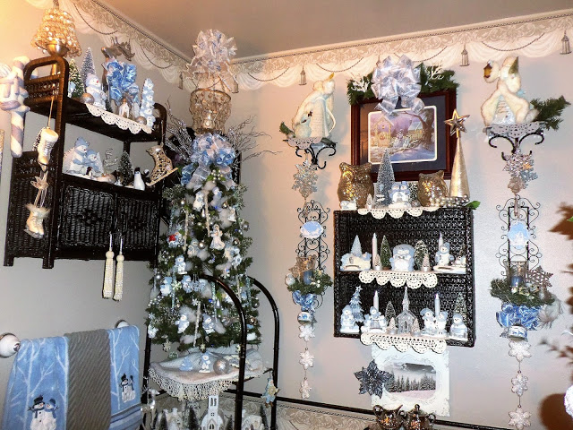 Christmas in the Powder Room, Christmas Home Tour, 2016
