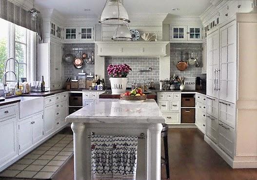 tips membuat dapur sempit terkesan lega