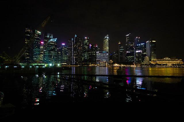 Marina bay di notte-Singapore