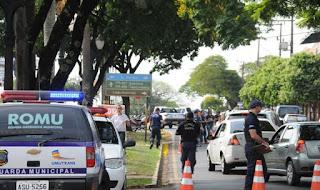 Guarda Municipal, Polícia Militar e Detran realizam blitz do Maio Amarelo em Umuarama (PR)