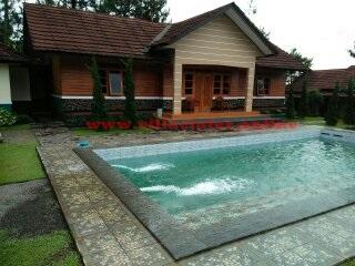 villa di ciater dengan kolam renang air panas untuk rombongan