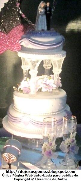 Foto a una torta de Boda o Matrimonio de 3 cuerpos por Jesus Gómez