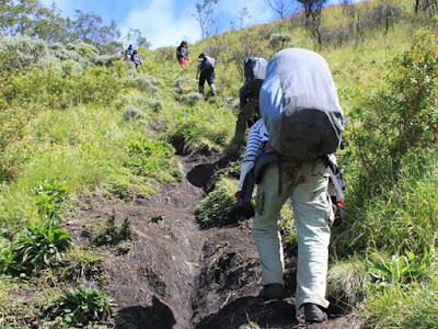 Mountaineering Merbabu