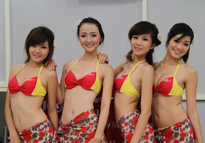 foto pramugari vietnam berbikini