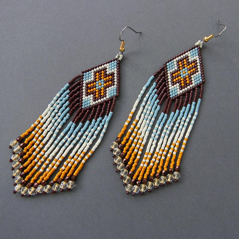 Оригинальное украшение из бисера - длинные серьги в этническом стиле. Авторский дизайн.