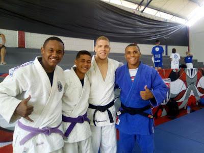 Atletas da Escolinha Municipal de Judô Mauro Sakai participam de seletivas e treinamento de campo