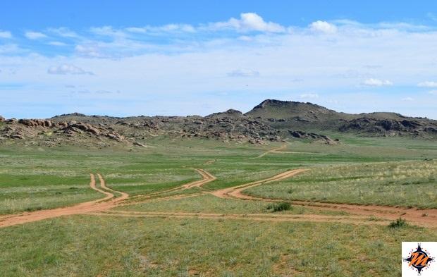 Tipica strada mongola al di fuori dei centri abitati