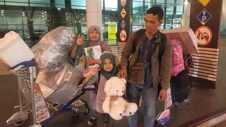 TKI di Malaysia Pulang Kampung untuk Menyoblos. Pilih Siapa?