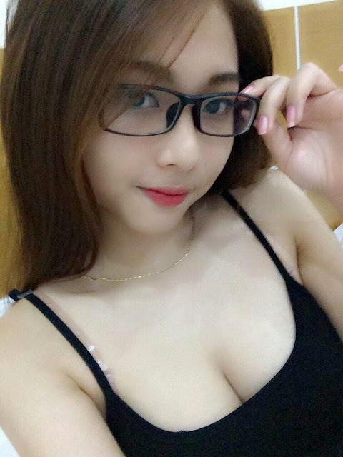 Hot Girl với đẳng cấp khoe hàng 24