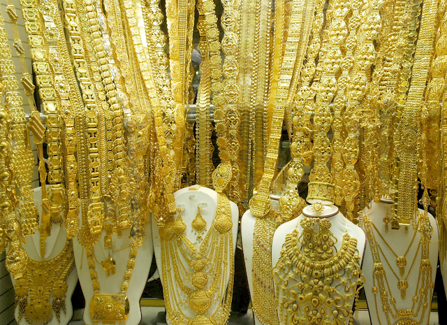 free visit in gold dubai market for fun and shoping