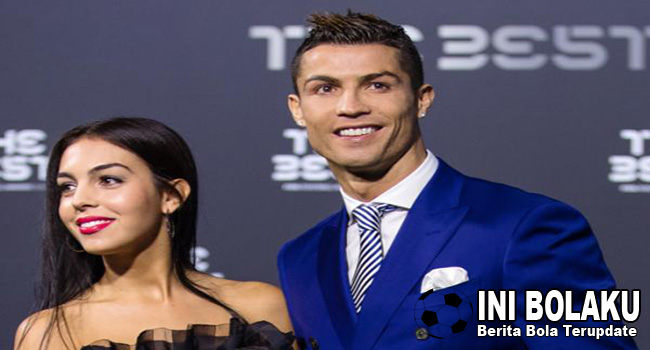 Warganet Baper Liat Ronaldo Posting Foto Di Atas Ranjang