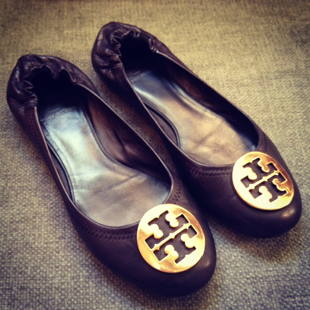 392cd2bf2e4 Pretty.Random.Things.  Shoe Review  TORY BURCH Reva ballet flats