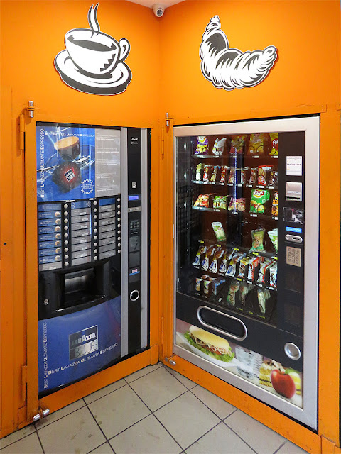 Vending machines, Via Antonio da Sangallo, Livorno