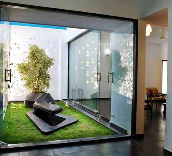 Desain Taman Minimalis Dalam Rumah Modern