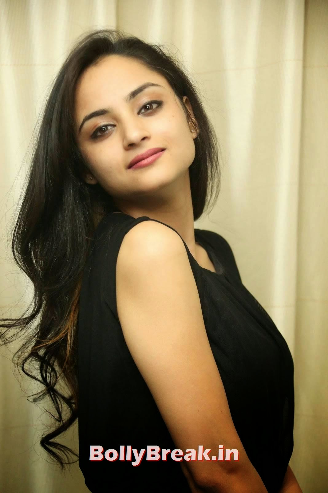 Madirakshi Pics, Actress Madirakshi Hot Pics in Skirt & Black Top